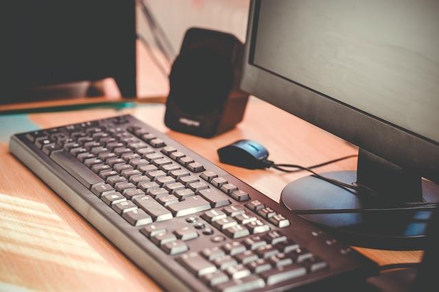 stolní počítač