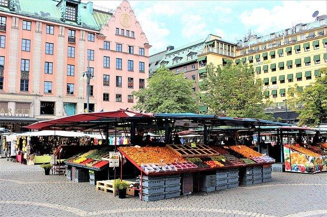 farmářské trhy na náměstí