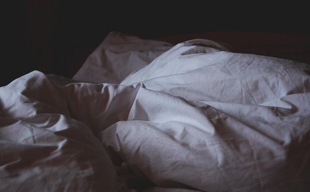 peřiny v posteli.jpg